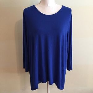VINCE CAMUTO blue high low pleated back blouse
